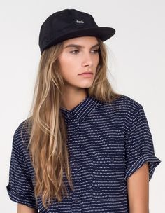 This classic 5-panel design takes on a minimalist-cool streetwear vibe, while constructed in modern tech fabric. Pair it with slouchy tonal looks for a badass finishing touch.