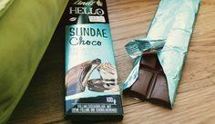 Lindt HELLO - Sundae Choco: Gefüllte Vollmilch-Schokolade mit dunkler Schokoladensauce (17,5%) auf heller Crème-Füllung (17,5%).