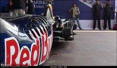Pics & Video : Red Bull Formula 1 Car Assembly & Engine Fire-up in Mumbai-p1000736.jpg