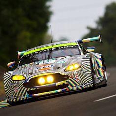 Aston Martin Vantage V8 97 in Le Mans