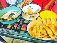 "51 Me gusta, 3 comentarios - Xhico (@xhico) en Instagram: ""Empanadas for the road #empanadas #food #foodporn #foodie #mexicanfood #aguaazul #streetfood…"""