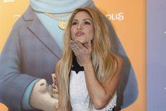 """Shakira en el estreno en Barcelona de Zootropolis: <p>Ante una multitud de fans que la aclamaba, este miércoles <a href=""""http://www.zeleb.es/c/biografia-de-shakira"""">Shakira</a> acudió en Barcelona a la première europea de Zootropolis, película de Disney en la que pone voz a Gazelle, uno de sus personajes. </p>"""