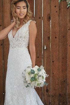 #stylemepretty #bride #brideflowers #bridebouquet #weddingbouquet #weddingday #weddinginspo