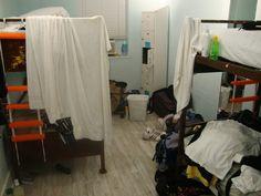 """Habitación """"un poco desordenada"""" en el South Beach Hostel de Miami"""