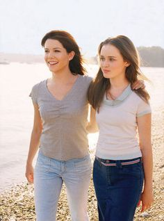 Rory and Lorelai Gilmore, absolutely beautiful <3