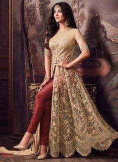 Looking to buy Anarkali online? ✓ Buy the latest designer Anarkali suits at Lashkaraa, with a variety of long Anarkali suits, party wear & Anarkali dresses! Shadi Dresses, Indian Gowns Dresses, Indian Fashion Dresses, Abaya Fashion, Pakistani Dresses, Bridal Anarkali Suits, Anarkali Frock, Indian Anarkali, Lehenga Saree