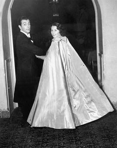 Husband & wife Barbara Stanwyck and Robert Taylor Old Hollywood Movies, Golden Age Of Hollywood, Vintage Hollywood, Hollywood Glamour, Classic Hollywood, In Hollywood, Hollywood Party, Barbara Stanwyck Movies, Robert Taylor Actor