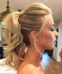 Cute Hairstyles for Medium Hair Never Works Out the Way You Plan. These are easy and all time best hairstyles for women. Cute Hairstyles for Medium Hair gives trendy and unique look to women.