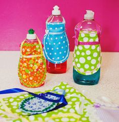 Super cute and easy DIY mini dish soap or water bottle fabric aprons! Cute stocking gift, bridal shower or housewarming present!