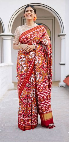 Fabric=lilan patola Digital prints Full colour granti Any type wash With pum pum Saree's lenght mtr -No any less Sari Blouse Designs, Fancy Blouse Designs, Blouse Patterns, Teen Fashion, Indian Fashion, Female Fashion, Latest Fashion, Lehenga Dupatta, Sabyasachi Sarees