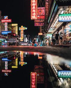 "ednortonphoto: "" Chinatown reflections - Bangkok #lonelyplanet #thailand #bangkok #bkk #chinatown https://www.instagram.com/p/BMl0asLh_E2/ """