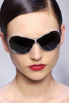 Как подобрать солнцезащитные очки    Обучение созданию собственного стиля    Style Adviser 8caa447d560