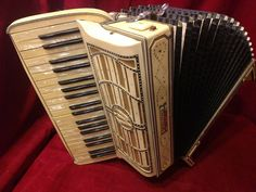 Wurlitzer, made in Italy for USA, (1930s)