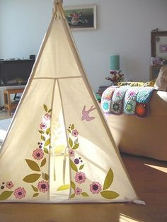 tent tipi decorated for kids - telt til børn - hule leg Teepee Kids, Teepee Tent, Teepees, Play Tents, Play Teepee, Forts, Tent Design, House Design, Cool Tents