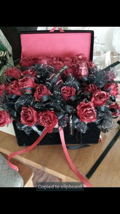 Satin roses party gifts