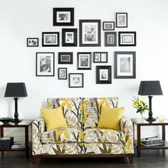 familienfotos-collage-wohnzimmer