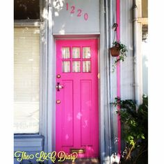 Pink door in South Philly! How cute is that?