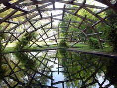 CHAUMONT-SUR-LOIRE _ festival international des jardins [2012] un nuage à travers la simplicité poétique d un miroir d eau et d un filet de bois en équilibre Wang SHU / le jardin des nuées qui s'attardent