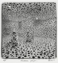 Shigeo Anzaï, Yayoi Kusama, Hara Museum of Contemporary Art, Tokyo, October 1992.<br>Photo: Courtesy the artist, Zeit-Foto Salon, Tokyo, and White Rainbow, London.
