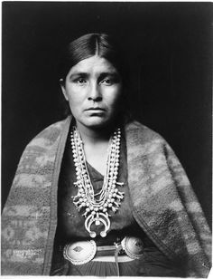 Navajo Woman Artist:	Edward Sheriff Curtis Owner:	Library of Congress Country of Origin:	United States of America Date of Creation:	1904 AD Tagged With:	Photographs Native Americans