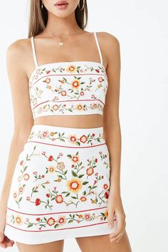 Forever 21 is the authority on fashion & the go-to retailer for the latest trends, styles & the hottest deals. Shop dresses, tops, tees, leggings & more! Mexican Outfit, Mexican Style, Two Piece Outfit, Two Piece Skirt Set, Style Victoria Beckham, Cute Casual Outfits, Summer Outfits, Mexican Skirts, Style Floral