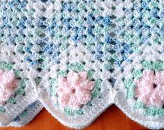 Flower edged crochet baby blanket