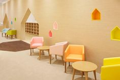 Image 9 of 11 from gallery of Mama Smile / Emmanuelle Moureaux Architecture + Design. Photograph by Daisuke Shima / Nacasa & Partners Kindergarten Interior, Kindergarten Design, Architecture Design, Home Interior, Interior Design, Scandinavian Interior, Kids Cafe, Parents Room, Kids Play Area