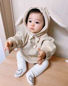 Cute Asian Babies, Korean Babies, Asian Kids, Cute Babies, Cute Newborn Baby Girl, Baby Kids, Baby Boy, Photos Folles, Cute Family Pictures