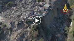 Il drone dei Vigili del Fuoco cattura la totale devastazione di Pescara del Tronto dopo la scossa di magnitudo 6.5 del 30 ottobre