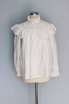 Antique blouse  white cotton blouse ruffled embroidered White Cotton Blouse, Cotton Blouses, Ruffle Blouse, Blouse Vintage, Embroidered Blouse, White Dress, Antiques, How To Wear, Dresses