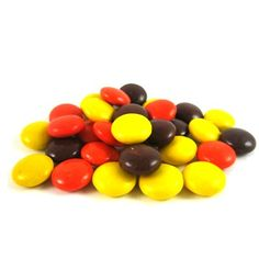 This classic candy is always a favorite. Peanut butter covered in a candy shell. Classic Candy, Candied Nuts, Chocolate Sweets, Oatmeal Bars, Peanut Butter Fudge, Man Food, Halloween Candy, Reese's Pieces, Ice Cream