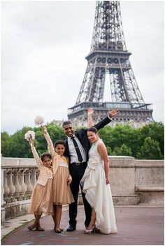 Family portraits in Paris - Photography © Pictours™ Paris Photography