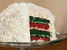Christmas Food - Red and green velvet holiday cake - Holidays Christmas Sweets, Christmas Goodies, Christmas Baking, Christmas Ideas, Holiday Ideas, Christmas Time, Christmas Cakes, Christmas Stuff, Christmas Wedding