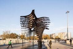 GAD Architecture has installed their latest sculptural design, Serra Gate, in Istanbul's Taksim Square, just in time . Impression 3d, Abstract Sculpture, Sculpture Art, Sculptures, Landscape Architecture Design, Architecture Photo, 3d Printing Technology, Environmental Design, Commerce