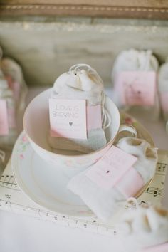 Lovely tea wedding favours