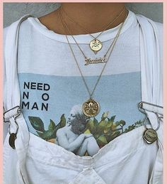 You love elegant and stylish necklaces? 1 online shop for women& accessories! We have inexpensive and elegant accessories. Fashion Killa, Look Fashion, 90s Fashion, Womens Fashion, Street Fashion, Fashion Tips, Surfer Girls, Looks Style, Style Me