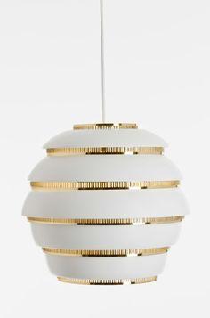 La lampe Beehive Ruche A331 de Alvar Aalto