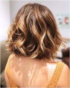 Ombre Wavy Hairstyle for Short Hair