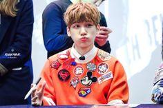 Gangnam Fan Sign 150306  Ruby Hyuk do not edit