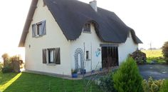£49 Surrounded by a 1600m2 garden, this B&B is located in the Normandy countryside, 4 km from Avranches.