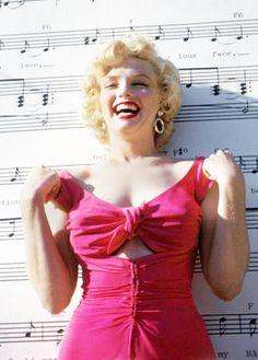 Marilyn Monroe in Vanity Fair Joe Dimaggio, Mae West, Vanity Fair, Divas, Marilyn Monroe Fotos, Sexy, Lost Girl, Doutzen Kroes, Norma Jeane
