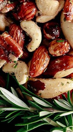Spicy Rosemary Roasted Nuts - Best with a variety of mixed nuts such as almonds, cashews, pecans, walnuts and brazil nuts, but you can use any nut that you like. ❊ Source by Savory Snacks, Healthy Snacks, Healthy Recipes, Tapas, Nut Recipes, Cooking Recipes, Almond Recipes, Recipies, Appetizer Recipes