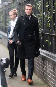 Winter trench. Leather gloves. Leather shoes. David Beckham.