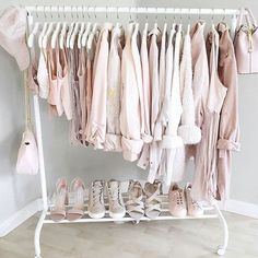 Another one of our 2017 Getting organized via tips by My New Room, My Room, Dorm Room, Dream Bedroom, Girls Bedroom, Bedroom Decor, Budget Bedroom, Clothing Displays, Cute Room Ideas