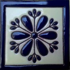 Resultado de imagen para azulejo talavera poblana Tile Art, Mosaic Art, Mexican Home Decor, Handmade Tiles, Mosaic Projects, Stencil Painting, Mandala Coloring, Delft, Tile Patterns