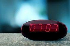 Votre radio-réveil indique 11h11 ? Vous êtes face à une heure miroir. Nous vous expliquons toutes les significations de ces heures étranges.