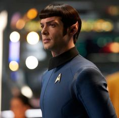 The brilliant Ethan Peck as Spock in Star Trek: Discovery Watch Star Trek, Star Trek Spock, New Star Trek, Star Wars, Deep Space Nine, Star Trek Characters, Star Trek Series, Cbs All Access, Leonard Nimoy