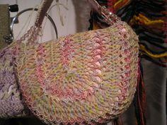 Hairpin Crochet Bag. Cotton and silk thread.
