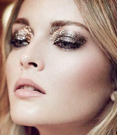 68ivbr-l-610x610-neon+rock-blogger-new+year+s+eve-make-gold-glitter-blonde+hair-hair+makeup+inspo.jpg (530×610)