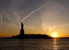 Statue Of Liberty Torch | The Top 29 Perfectly Timed Photos Will Leave You Awestruck
